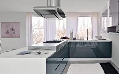 Cucina in acciaio e vetroresina