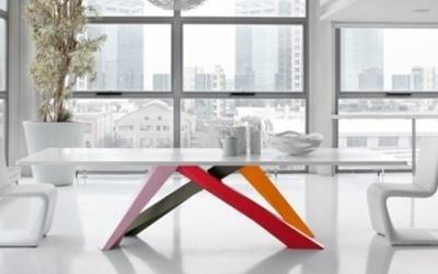 Tavolo in vetro per soggiorno