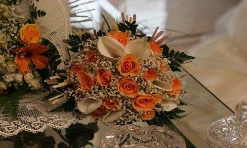 Ramo di Sposa con gigli bianchi, Rose bianche e rose