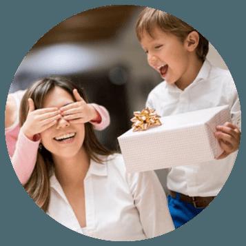 bimbi danno regalo alla mamma