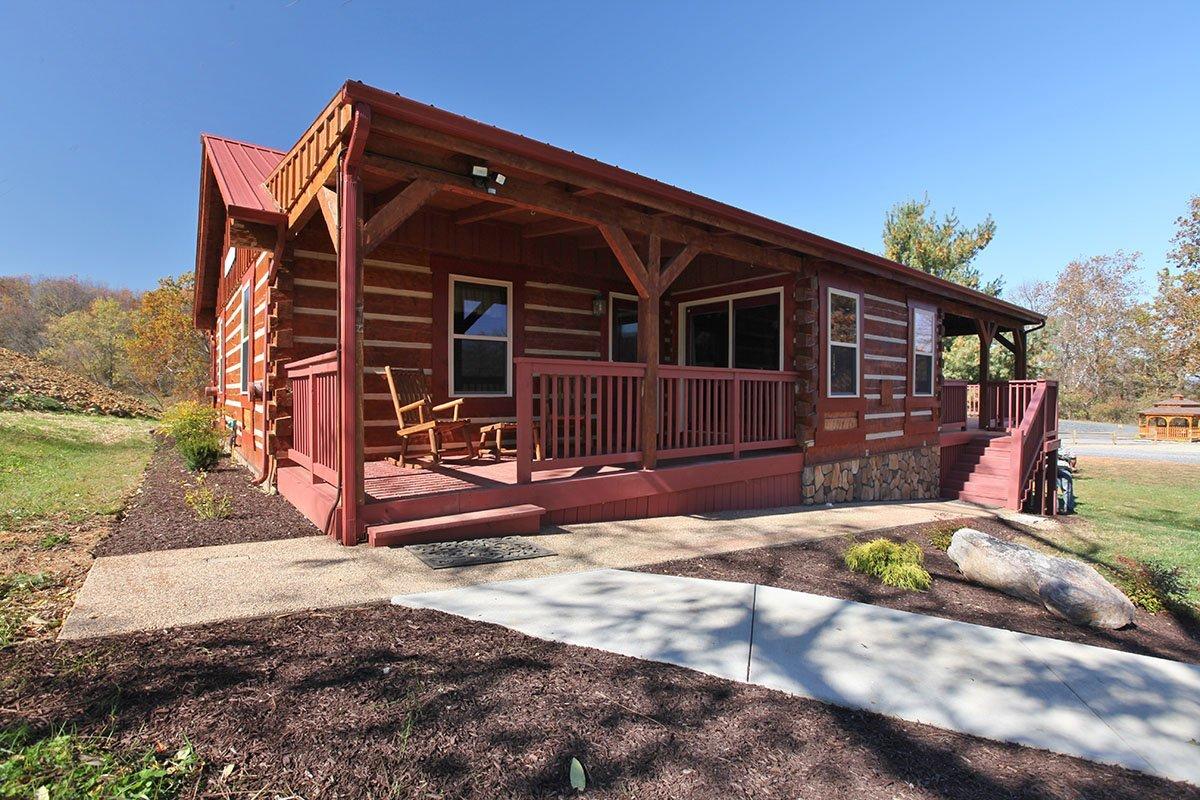 Hawksbill retreat luray va cabin vacation rental mare house for Cabin rentals near luray va