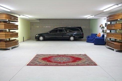 trasporti funebri nazionali, trasporti funebri internazionali, auto funebre moderna