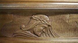 bare in legno, bare su misura, cofani funebri intagliati