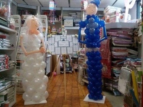 Sposi con palloncini