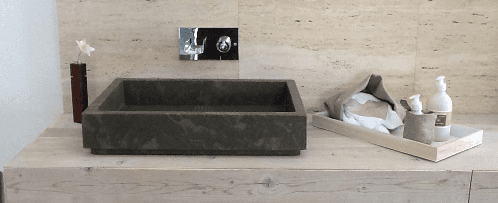 bagno in pietra piasentina
