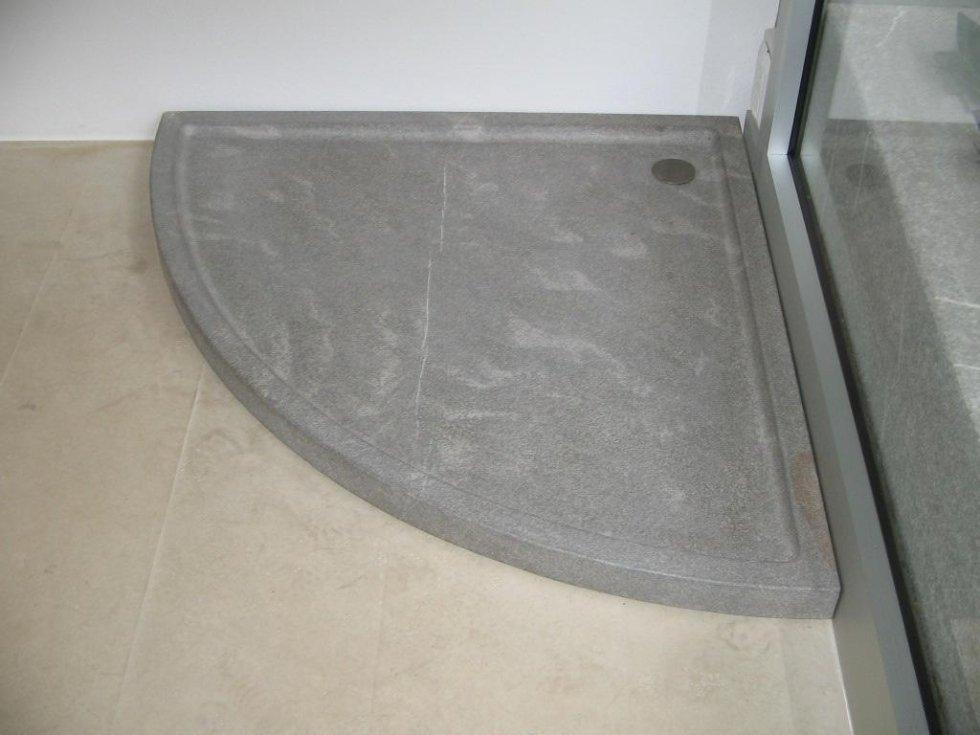 piano doccia angolare pietra piasentina