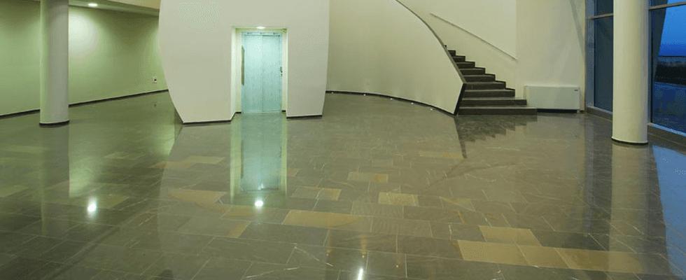 pavimento pietra piasentina lucidato