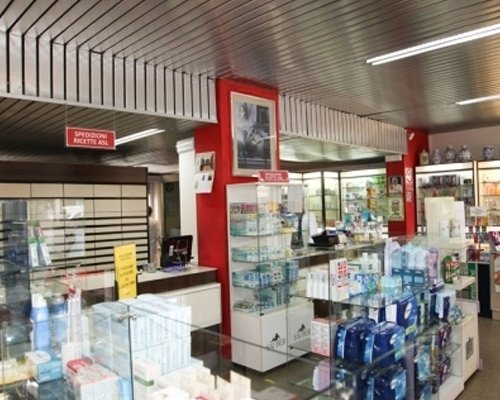 Interno farmacia Savino