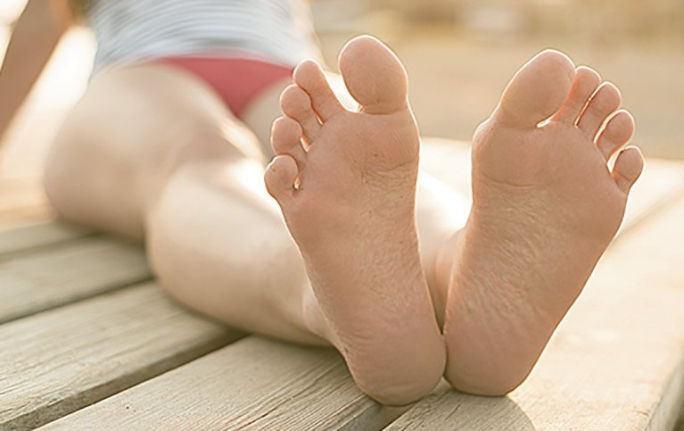 woman-feet