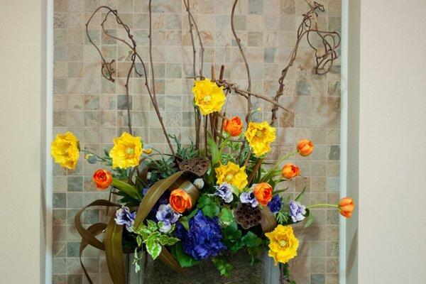 floral arrangement at Laurelwood Dentistry