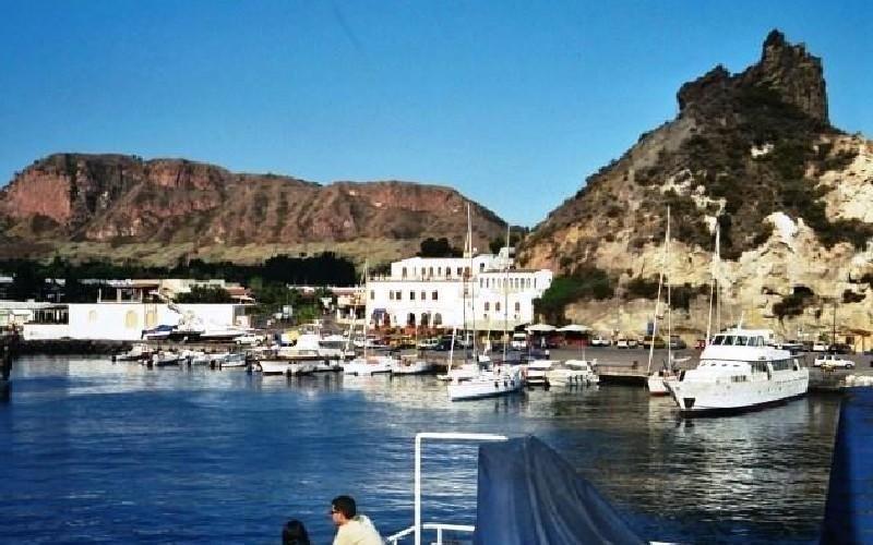 Mare isole Eolie Hotel Faraglione