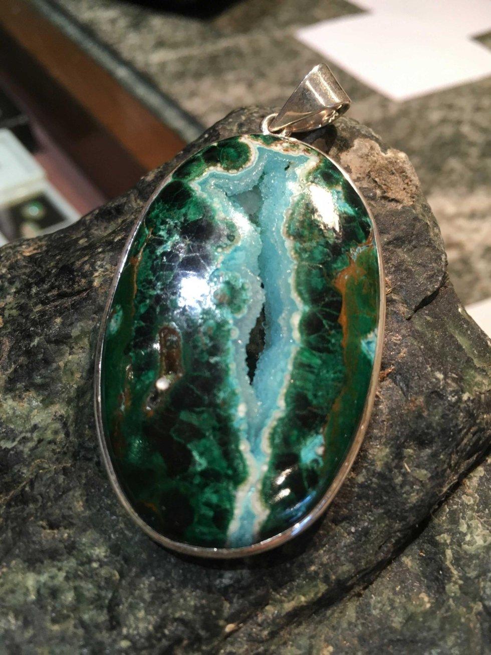 Ciondolo in argento con gemma silicea crisocolla azzurrite malachite