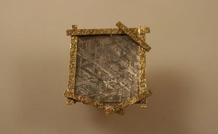 oro giallo e meteorite