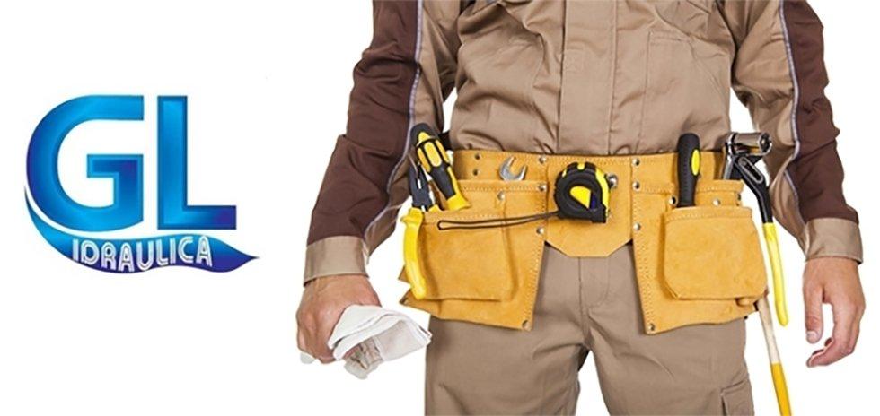 idraulico in cintura strumento con gli strumenti e G.L. IDRAULICA logo