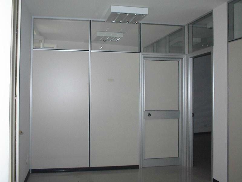 Pannelli divisori di alluminio e vetro