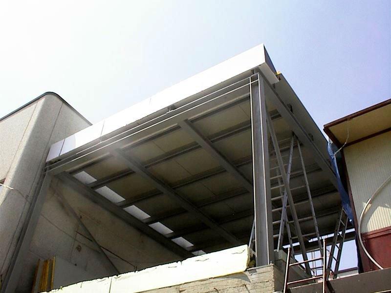 Costruendo una copertura per la terrazza
