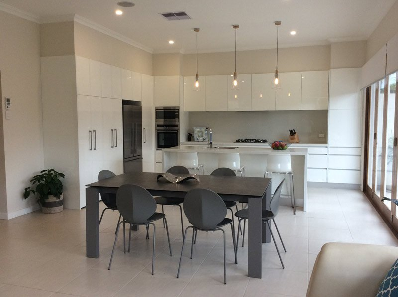 White Oyster Kitchen & Dinning Table
