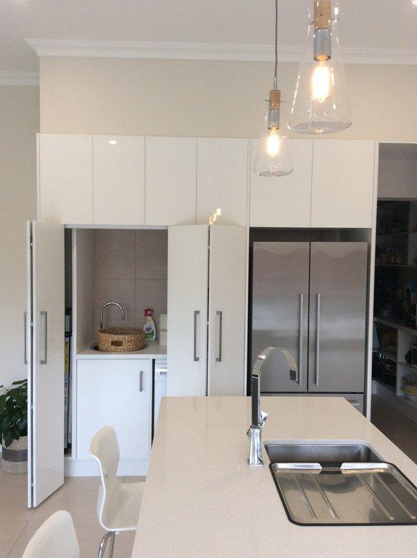 White Oyster Kitchen Sink & Storage