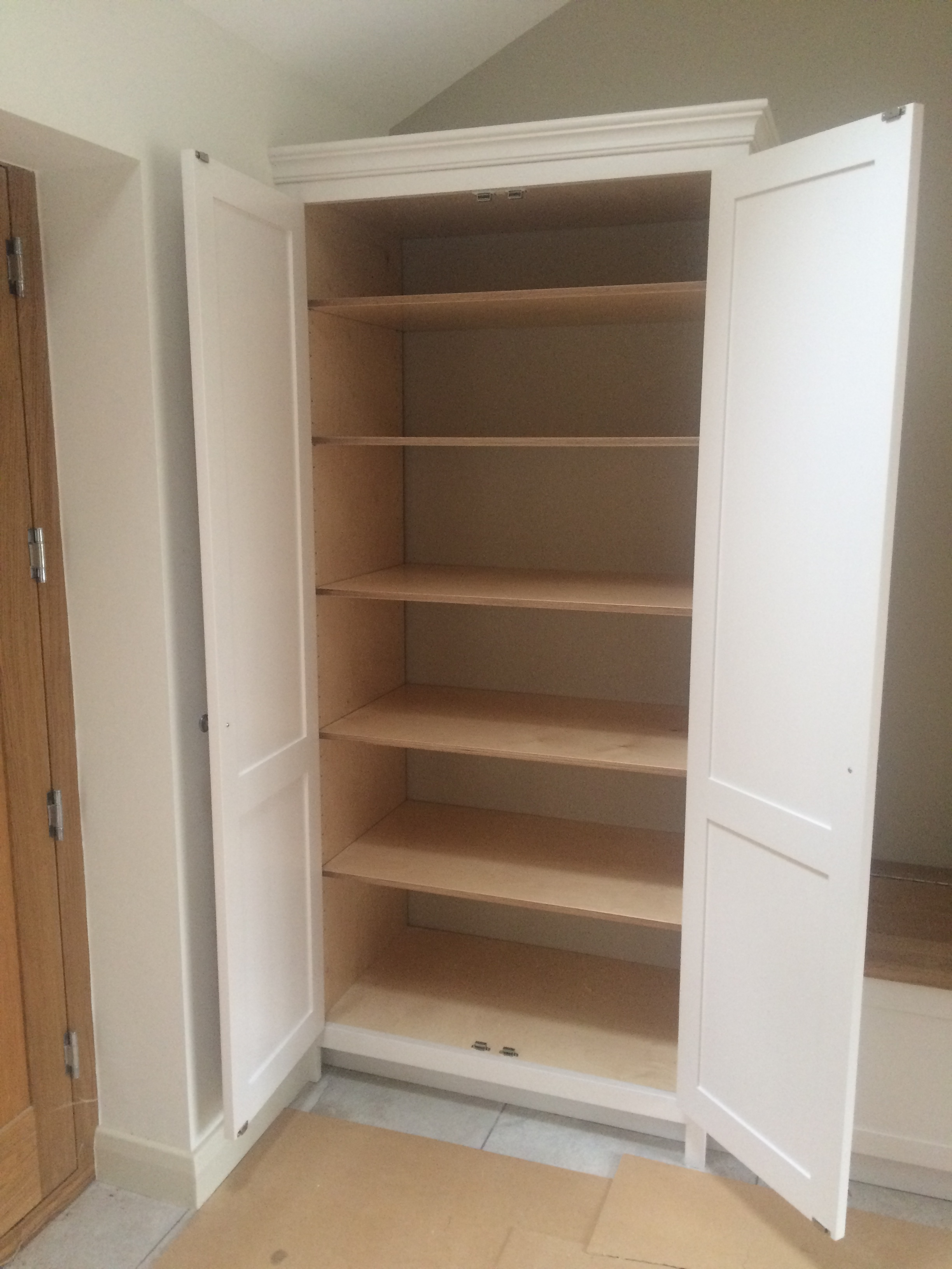 Cabinet woodwork