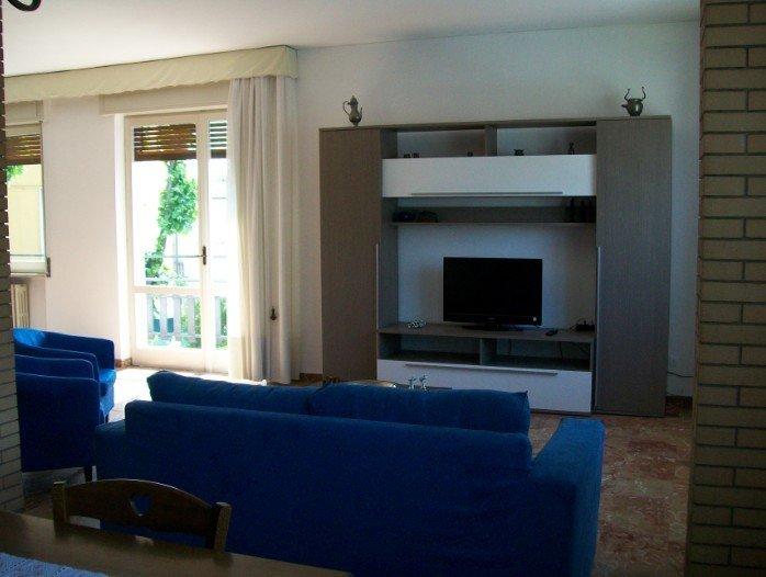 sala TV con divani