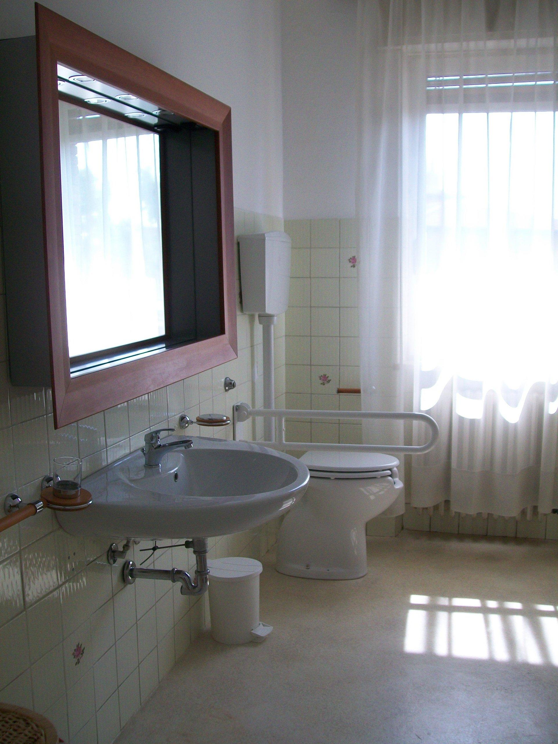 bagno della residenza per anziani