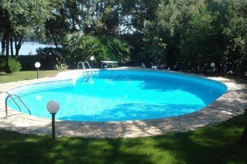 piscine Latina