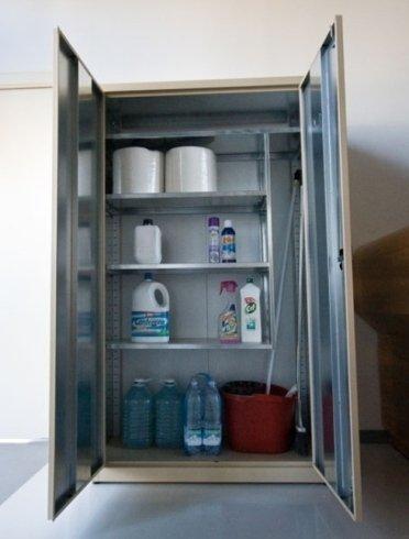 armadio per prodotti igiene