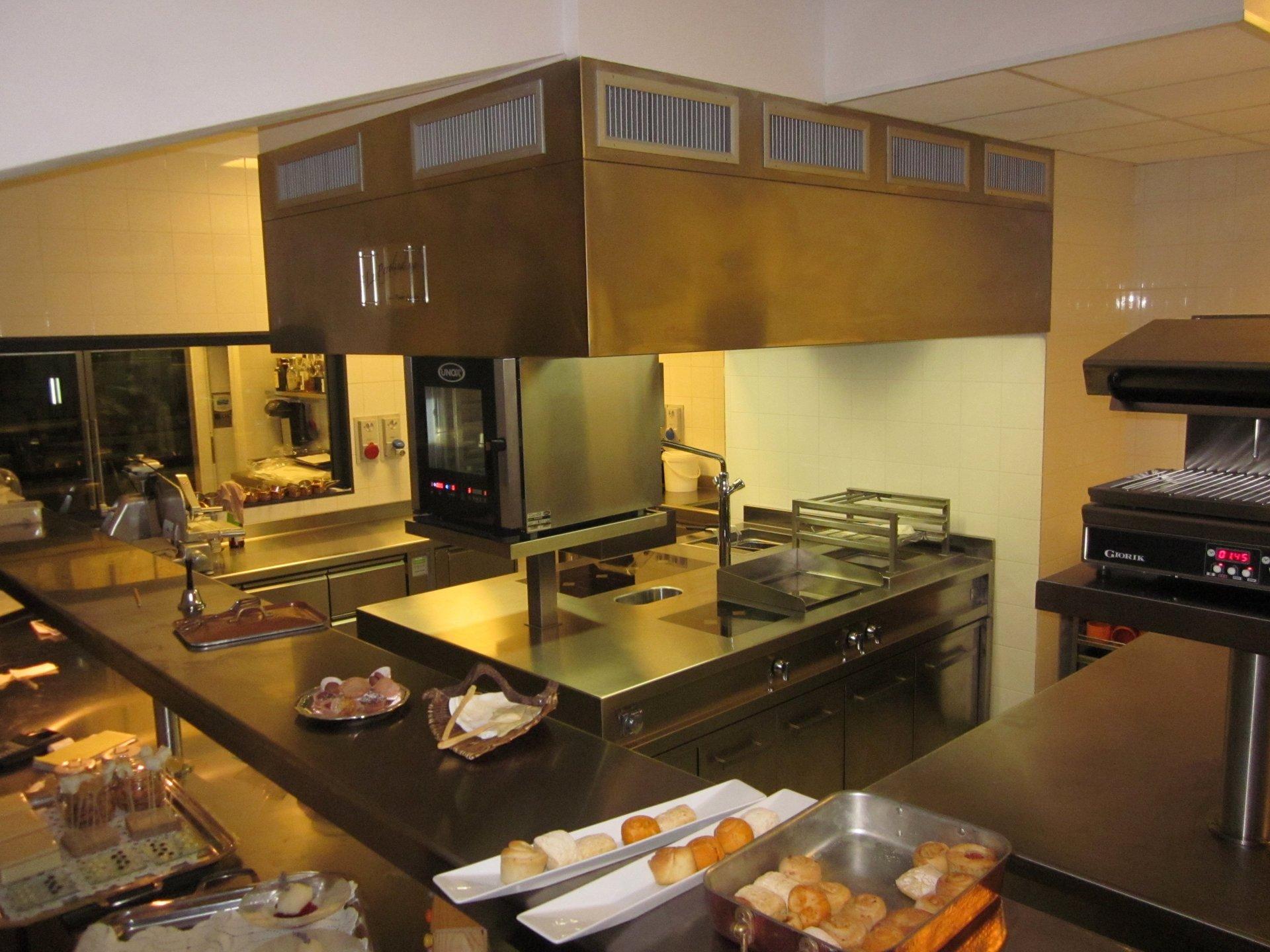 una cucina di un ristorante