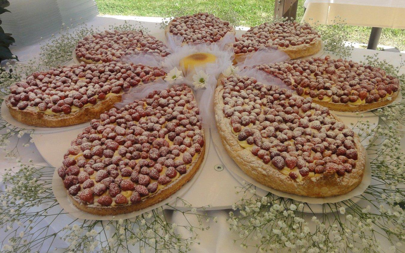 Fiore fatta di torta di fragoline