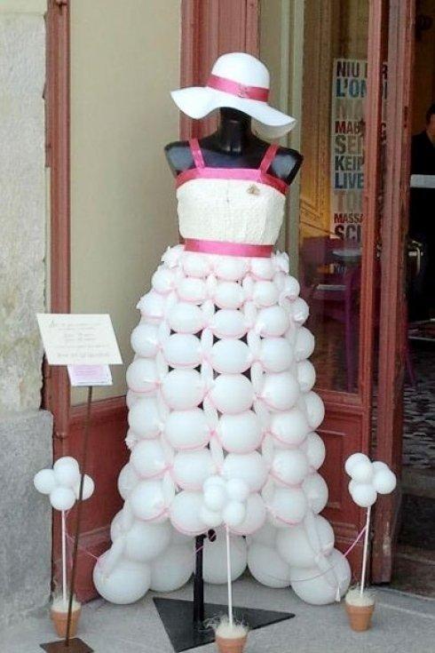 Vestito di palloncini