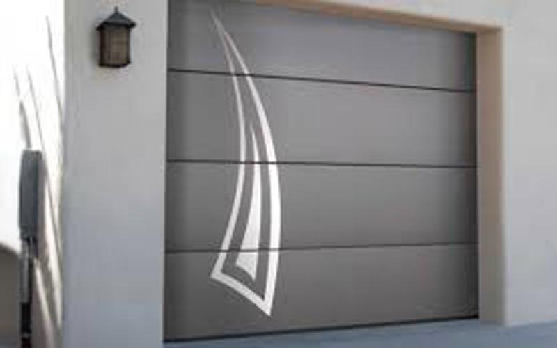 Porte sezionali decorate