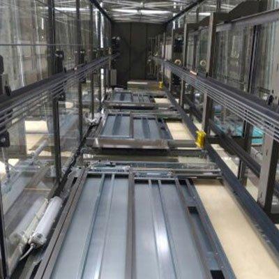 Struttura di vetro di un ascensore