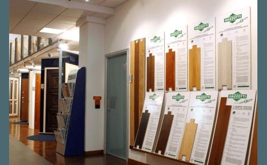 esposizione componenti per porte