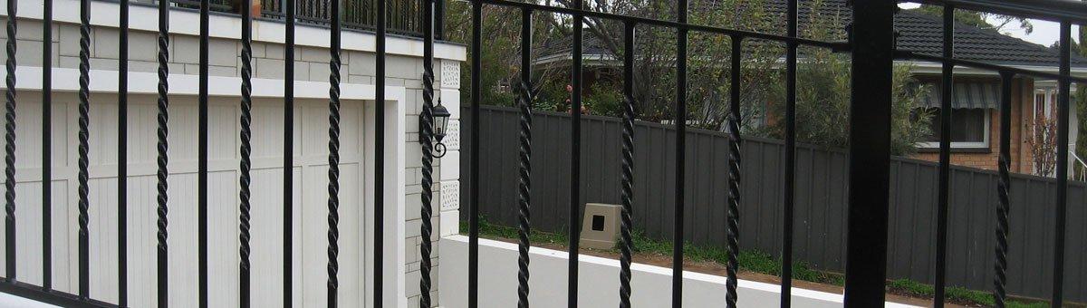 tubular fencing Adelaide / aluminium fences Adelaide