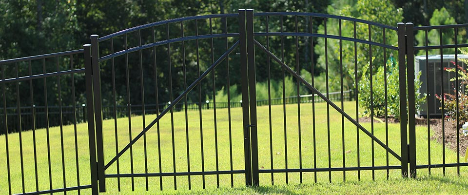 Custom Aluminum Fence with Gate