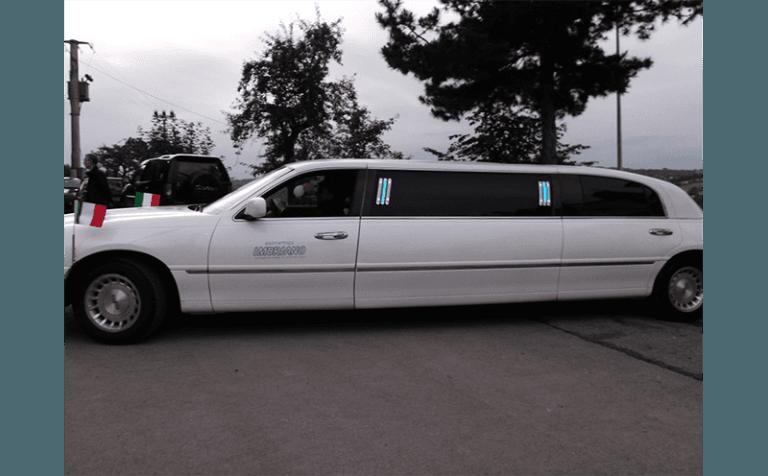 noleggio limousine bianca