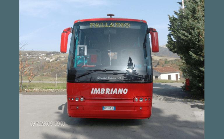 noleggio bus palladio rosso