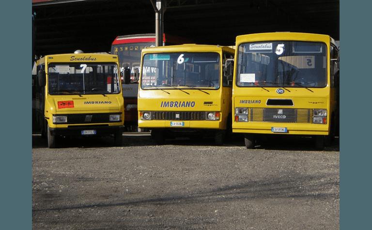 parco macchine scuolabus imbriano