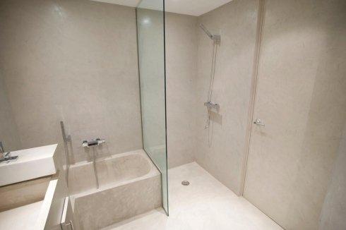 Rivestimenti bagno in microcemento