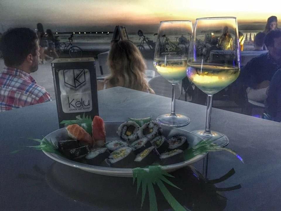 sushi e vino bianco