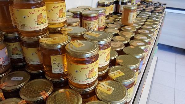 barattoli di miele artigianale