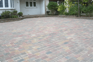 For block paving, call the experts on 0800 458 4175