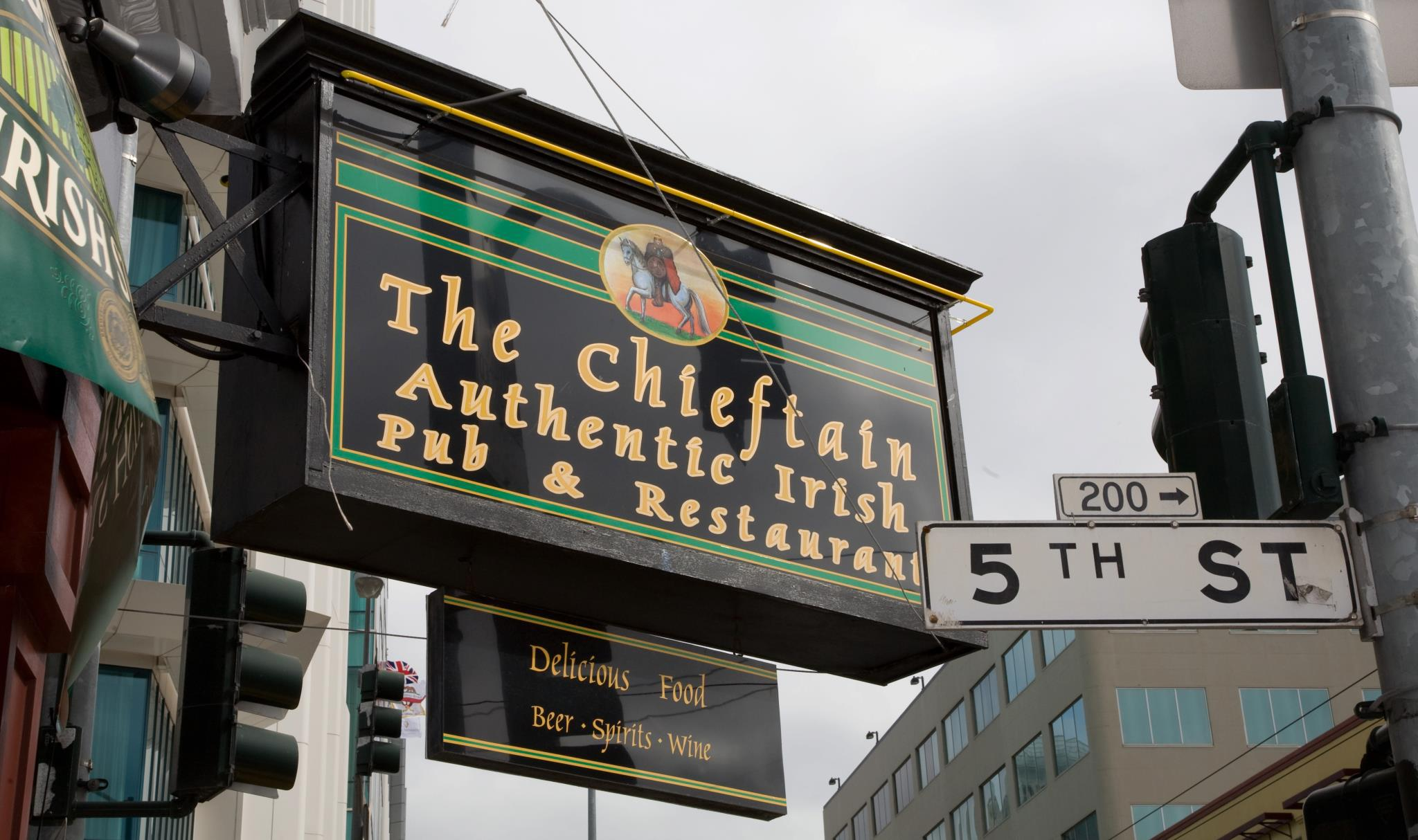 Irish Restaurant in San Francisco, CA - The Chieftain Irish Pub & Restaurant