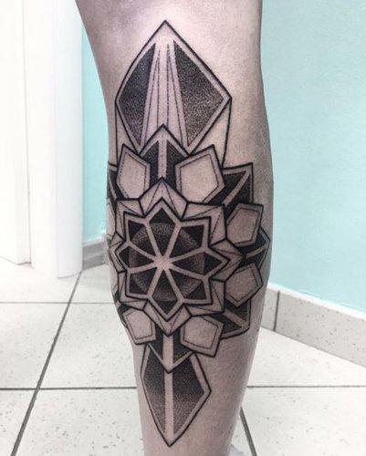 Tatuaggio astratto