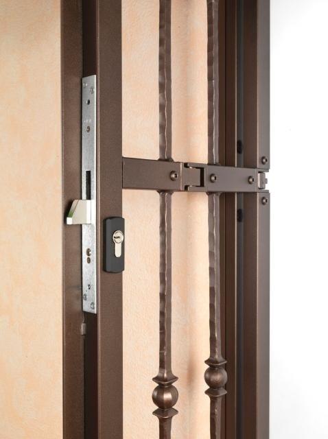 una griglia con una serratura