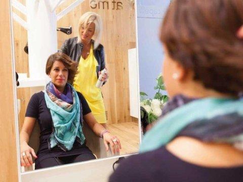Parrucchiera per donna Udine