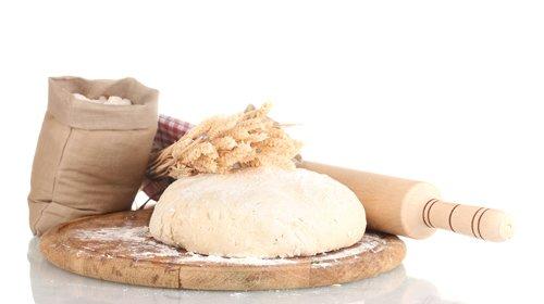 farina pasta pane e mattarello