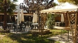 gazebo, pizzeria all'aperto