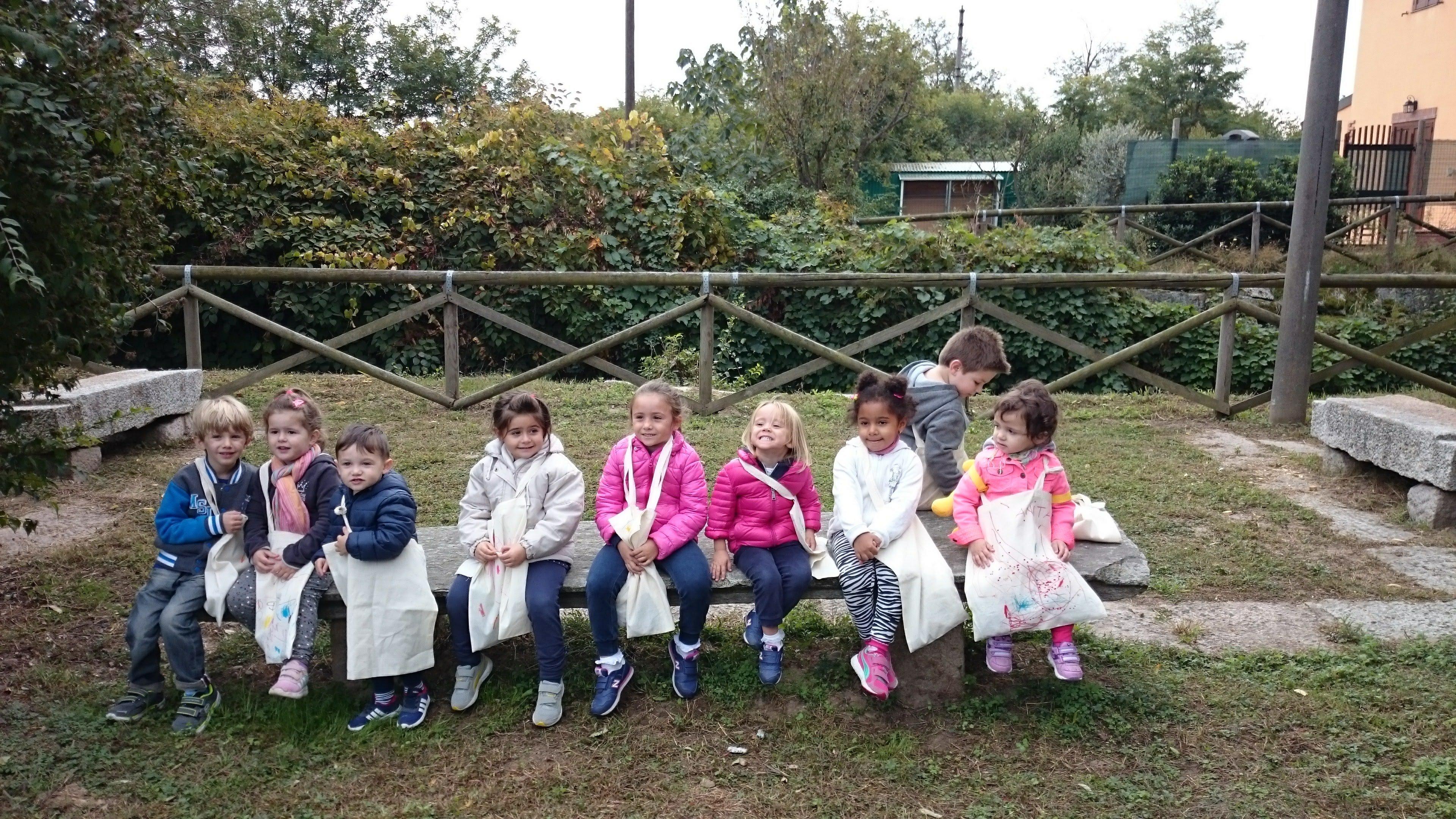 Gruppo di bambini che sorridono