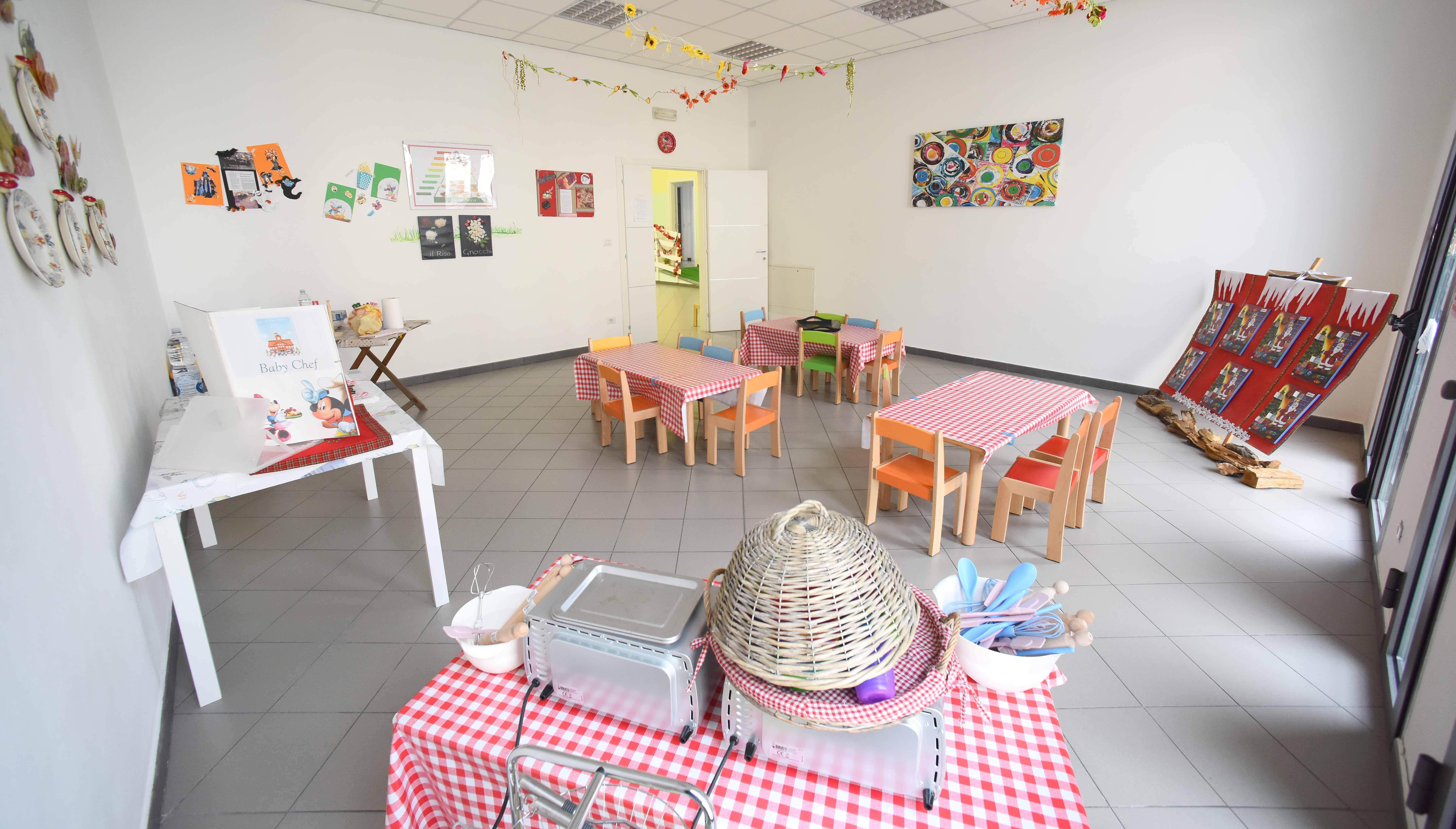 sala pranzo all'interno della scuola